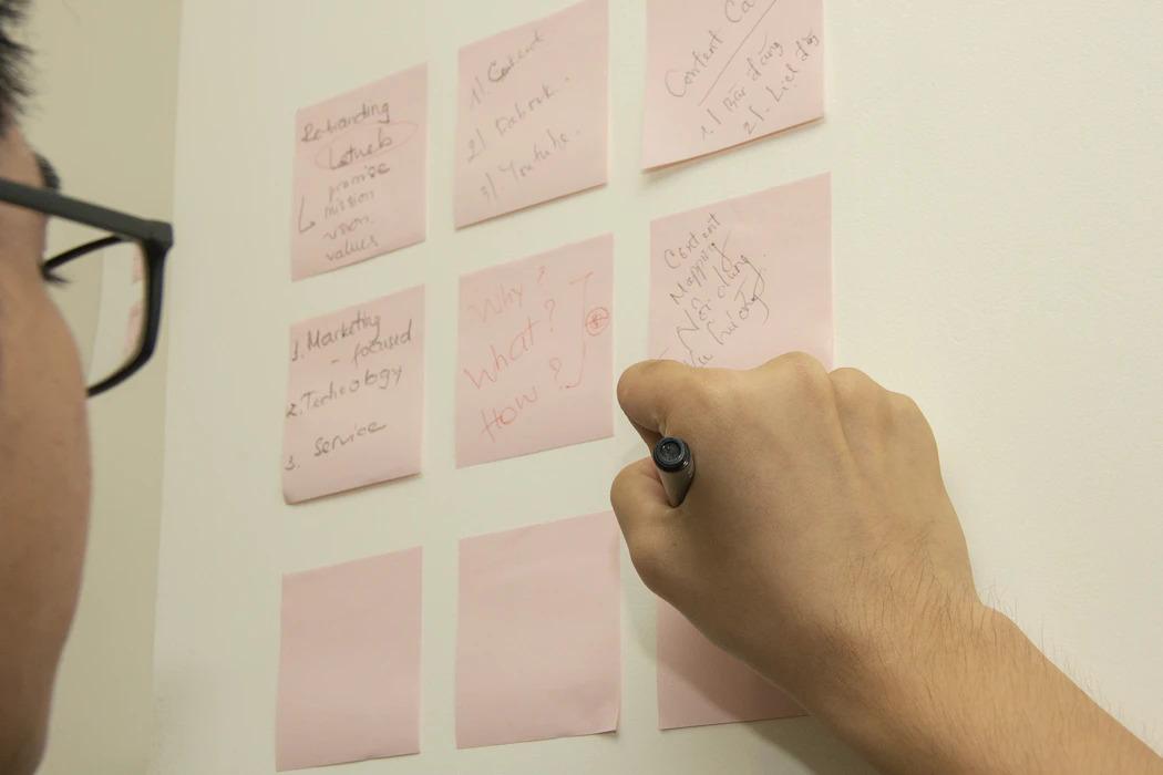 Lên ý tưởng và thiết kế landing page chuyên nghiệp sẽ giúp bạn tăng niềm tin đối với sản phẩm và dịch vụ đối với khách hàng của mình